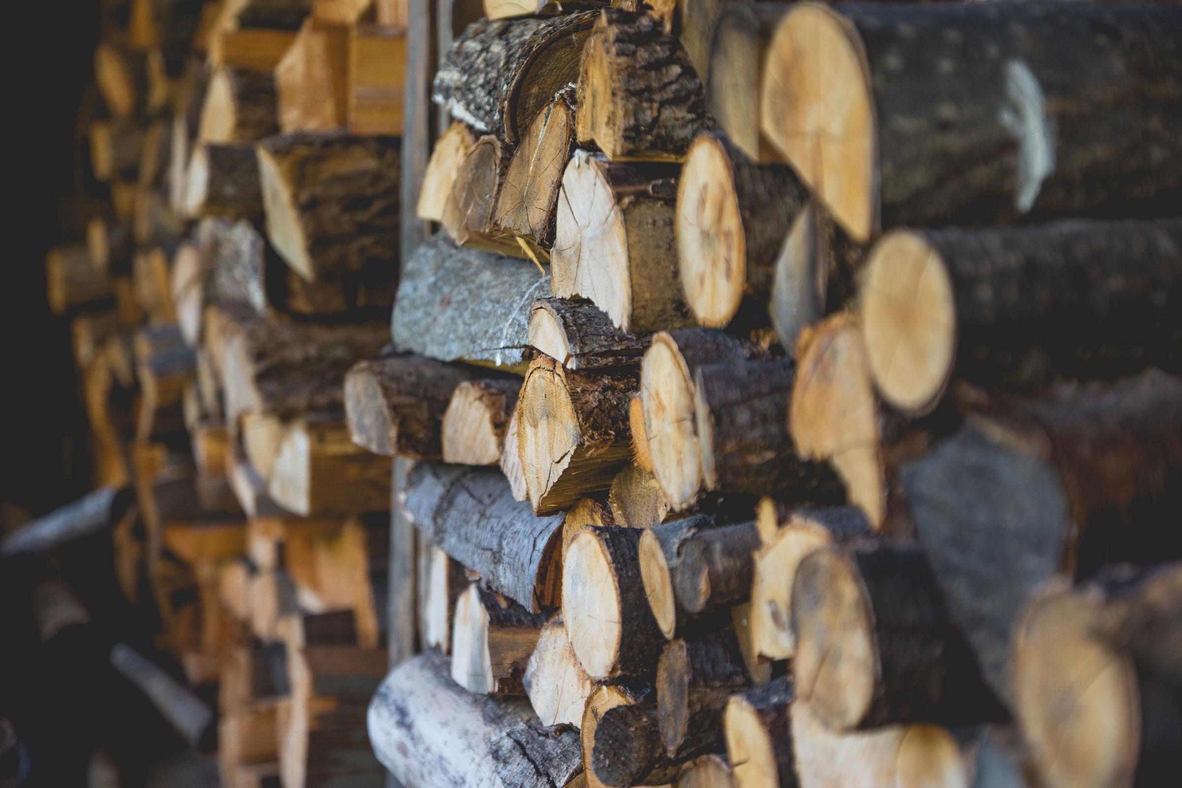 comment ranger votre bois de chauffage nos conseils la rainnevilloise. Black Bedroom Furniture Sets. Home Design Ideas