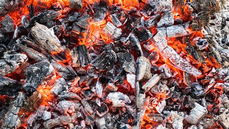 Recyclez les cendres de votre chauffage au bois